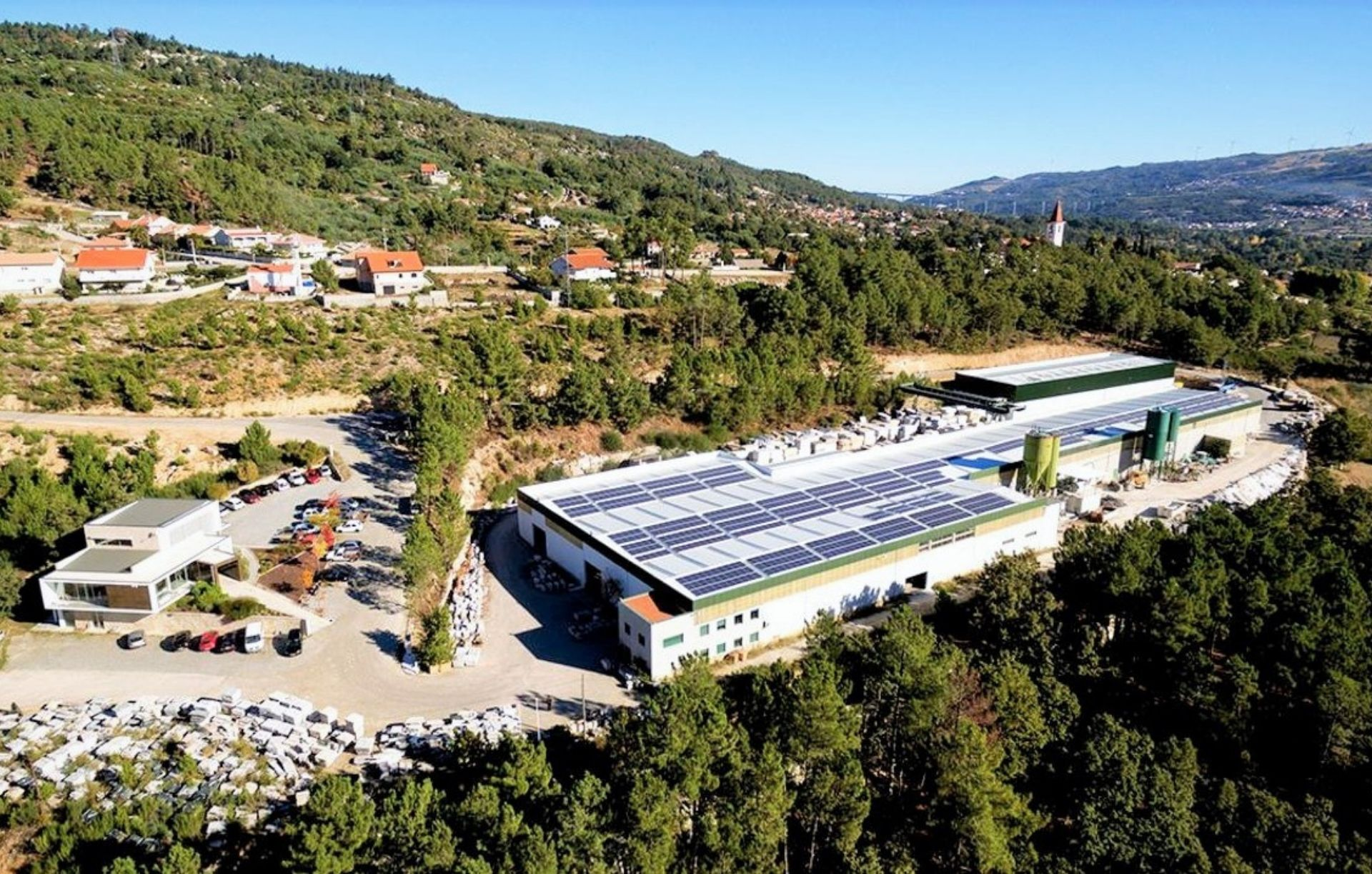 TRANSGRANITOS (250 kWp)
